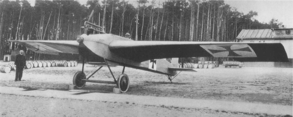 Junkers_J_1_at_Döberitz_1915